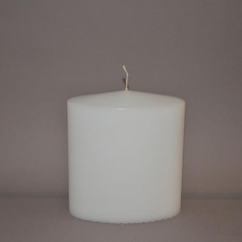 Weiß getauchte Oval-Kerze...